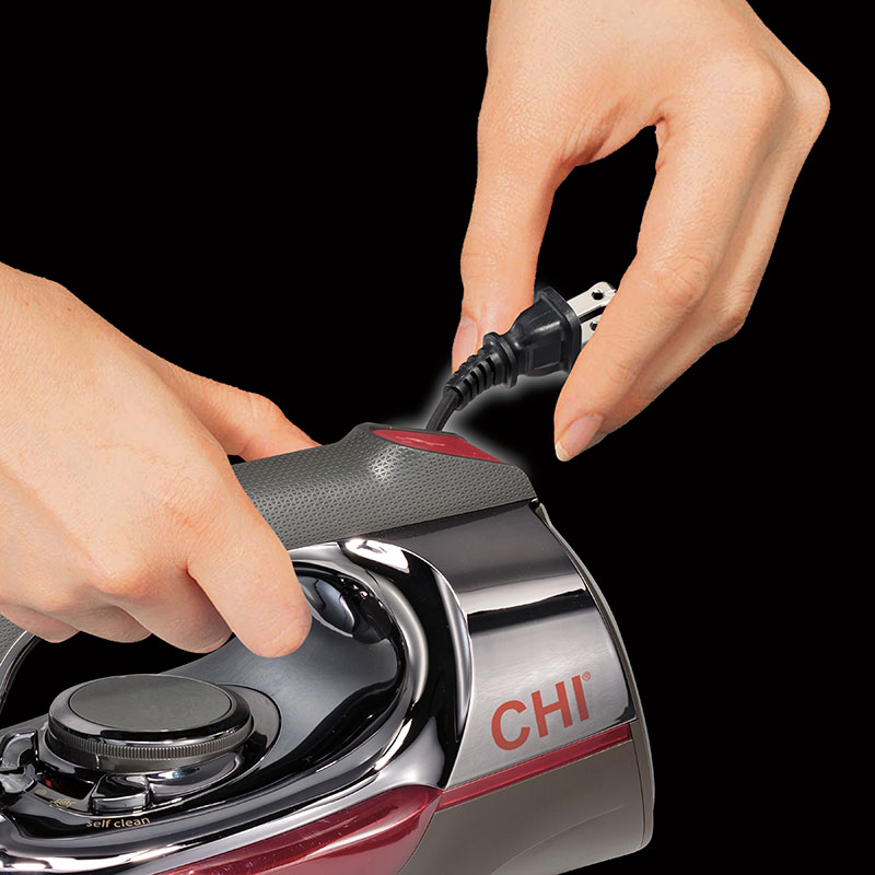 CHI Electronic Retractable Iron 13105 - Retractable Cord